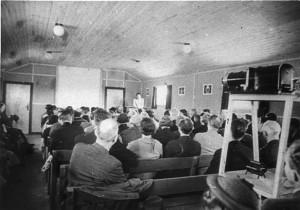 Martinus indviede foredragssalen Pinsedag 1937, og salen var fyldt til sidste plads.