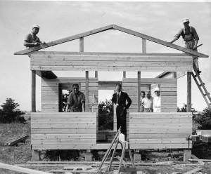 Et af de allerførste huse, benævnt A-Husene under opførelse i 1934